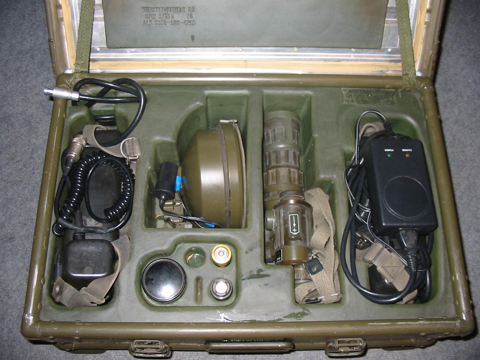 Bw Infrarot-scheinwerfer-satz Fero 51 Valise+batterie+montage+ Binocular Cases & Accessories Binoculars & Telescopes